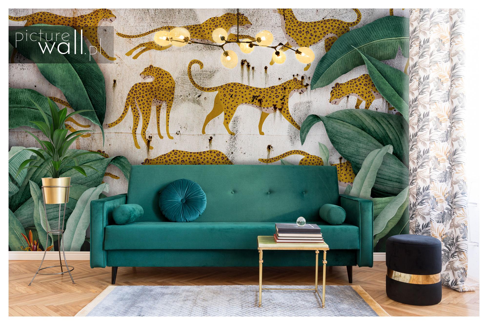 Ściana za kanapą z fototapetą autorską Betonowa dżungla